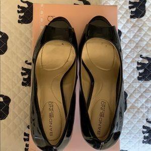 Bandalino patent leather peep toe heels